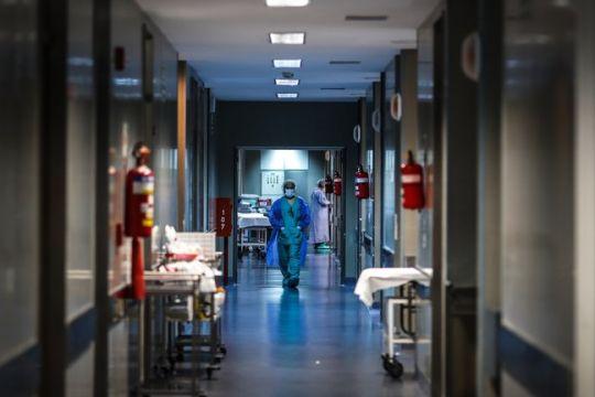 Confirmaron 27.260 nuevos casos de coronavirus y 589 fallecidos en las últimas 24 horas