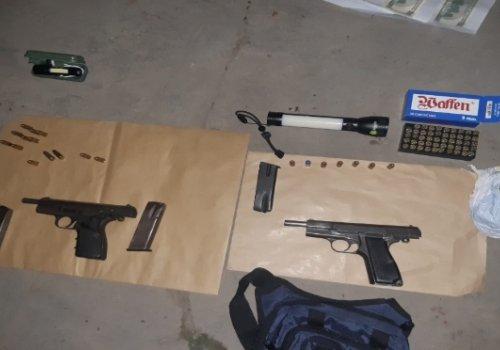 Importante secuestro de drogas y armas en Orán